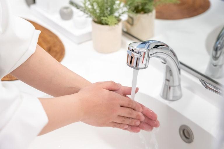 手洗い・うがいをこまめに行う