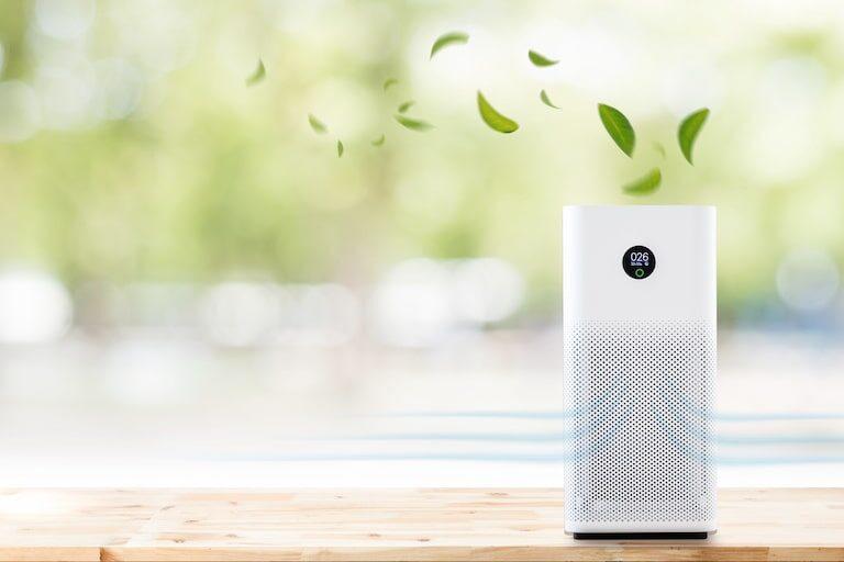 【部屋の匂いの取り方】空気清浄機の仕組みや選び方を解説