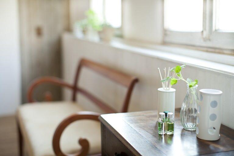 部屋の匂い消しに効果的な方法は?おすすめ消臭アイテムを紹介