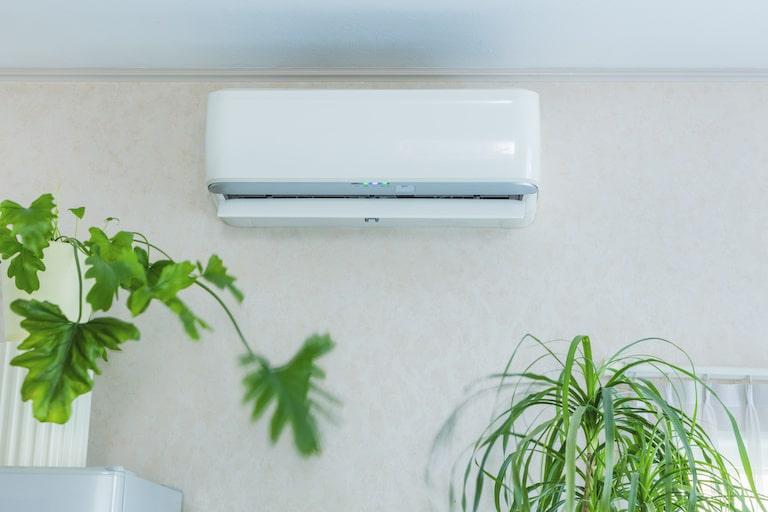 エアコンに設置するだけで簡単消臭!AC plusもおすすめ