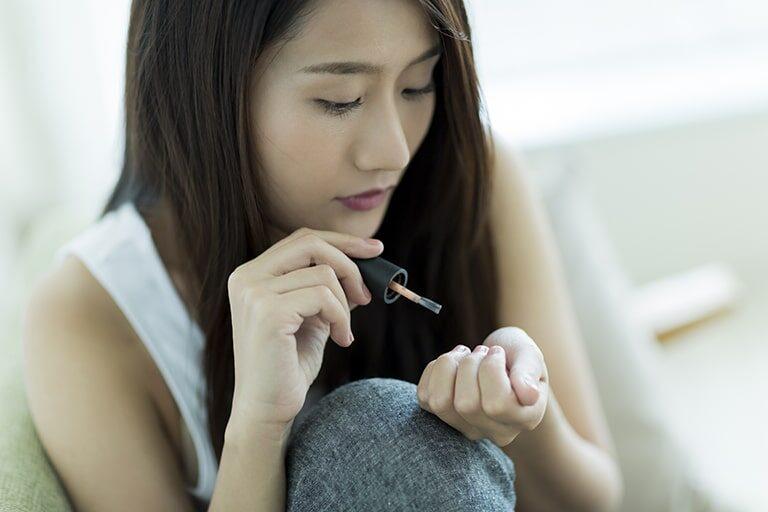 マニキュアの匂いを消す方法とは?部屋でネイルをする際の臭い対策を紹介